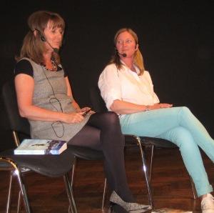Annika Estassy som skrivit Solviken och Eva Rydinger som skrivit Fotografen.