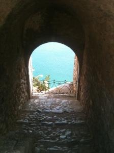 Utsikt från en gammal borg i stan Nafplion.